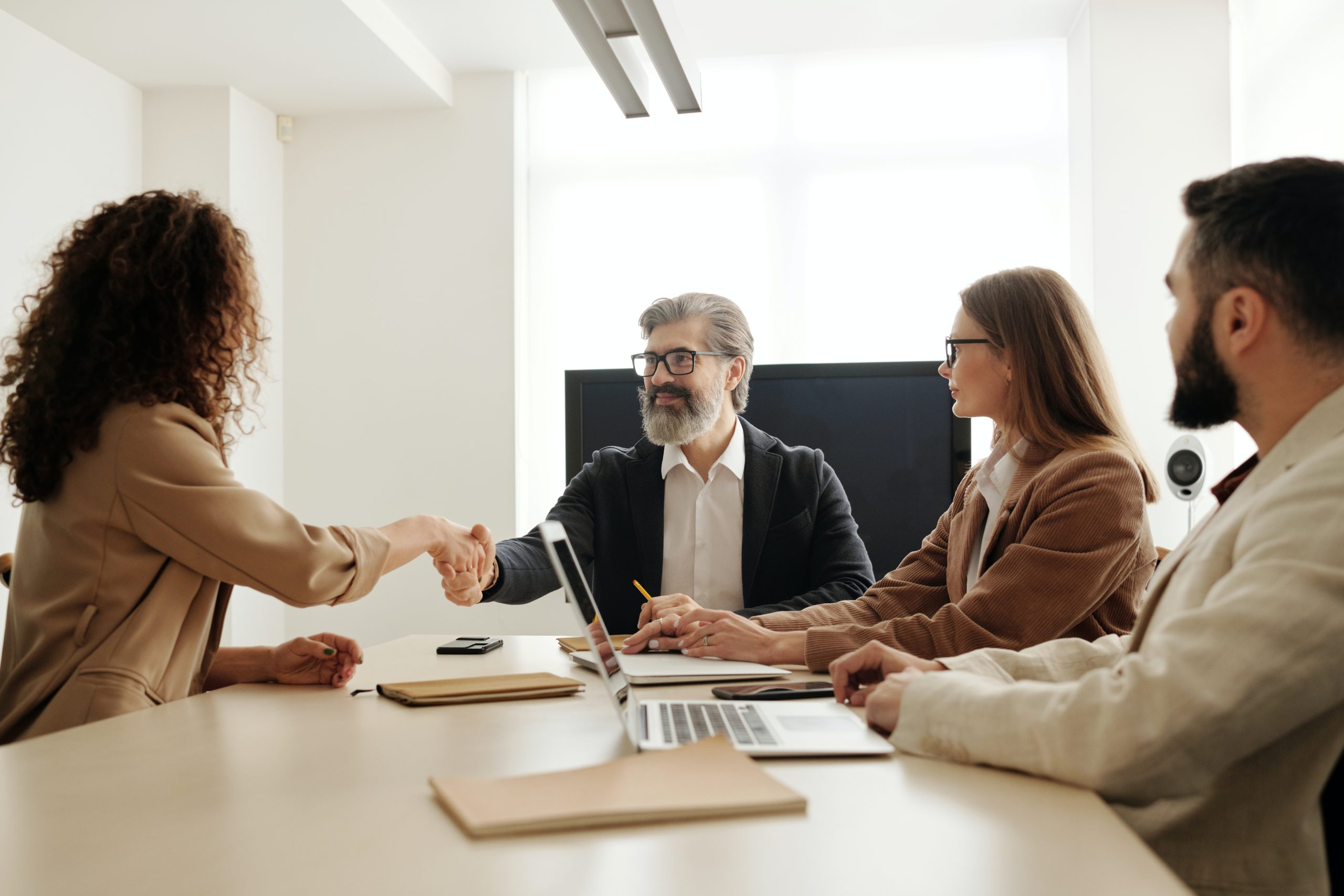 Importance of hiring an AI/IOT staffing agency